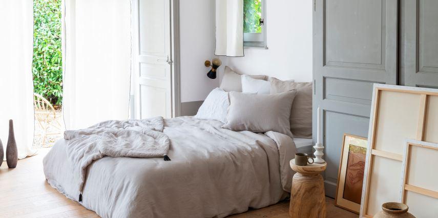 La collaboration avec Carré Blanc connue pour ses parures de lit vient renforcer le pôle maison/décoration de l'agence Lyonnaise Esprit des sens au côté de Fermob, Artemide ou encore Black+Decker.